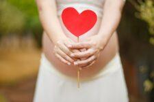 Yoga prénatal : préparer son accouchement en douceur