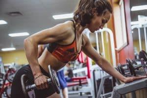 Brassière de sport : Ne la portez pas à la légère