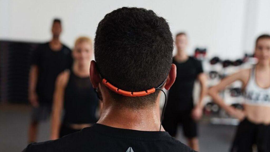Instructeur fitness et distanciation sociale